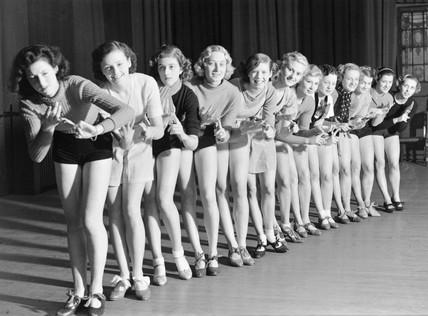 Chorus girls rehearsing, 25 November 1935.