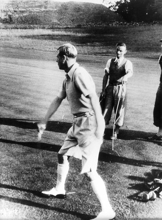 King Edward VIII playing arrow golf, 21 September 1936.