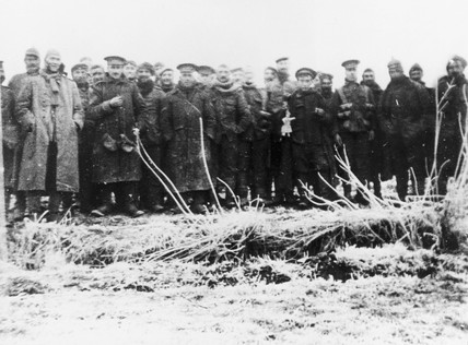 British and German troops posing together, 1914.