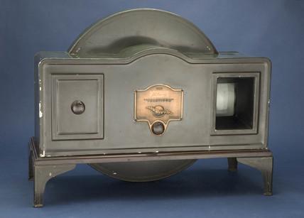 'Tin box' televisor, c 1930.