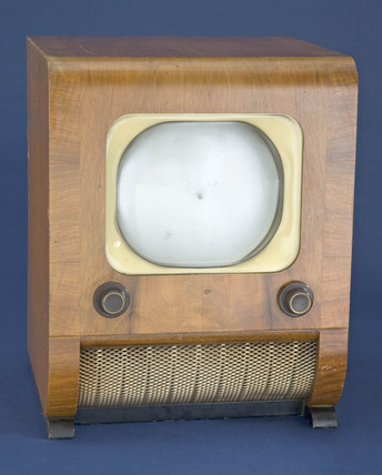 Sobell T90 tabletop television receiver, 1950.