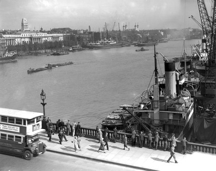 London Bridge and the River Thames, London, 22 September 1933.