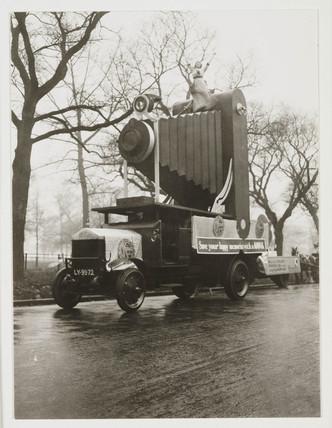 Kodak advertising float, 1912.