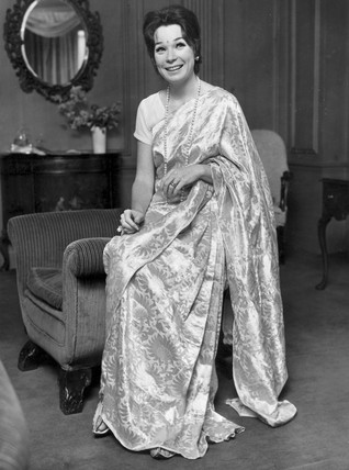Shirley MacLaine wearing a sari, October 1967.