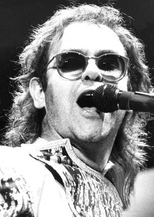 Elton John, 1987.