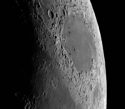Mare Crisium, 23 May 2004.