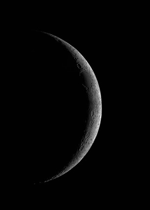 Three-day-old Moon, 22 April 2004.