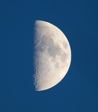 Daytime Moon, 28 November 2006.