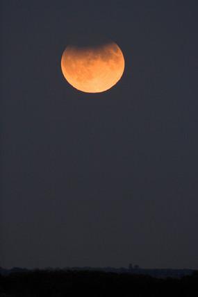 Lunar eclipse, United Kingdom, 7 September 2006.