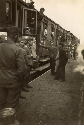 Busy station scene, Second World War, 1940s.