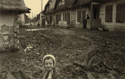 Muddy Russian village, Second World War, May 1941.