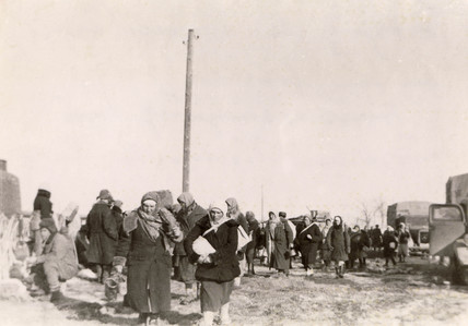 Women refugees, Russia, Secod World War, February 1943.