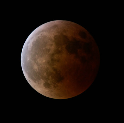 Total lunar eclipse, 3 March 2007.