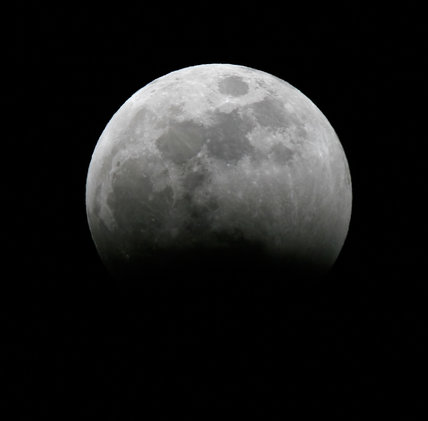 Stage during total lunar eclipse, 3 March 2007.