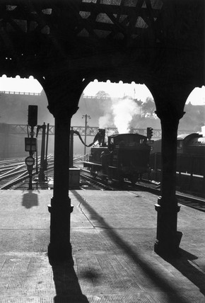Taking water, Edinburgh Waverley station, c 1930s.