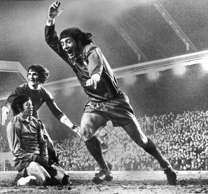 Kevin Keegan scores for Liverpool, 29  March 1972.