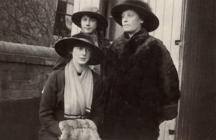 Mother and her two daughters, England, 1915.