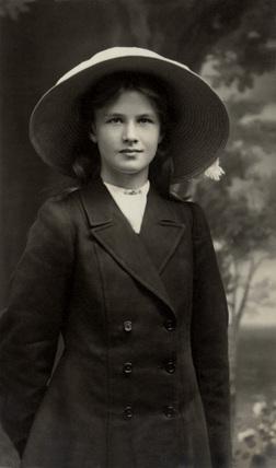 Edwardian girl, England, c 1910.