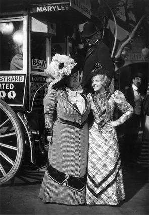 Florrie Forde and Betty Balfour on the set of 'My Old Dutch', 1934.