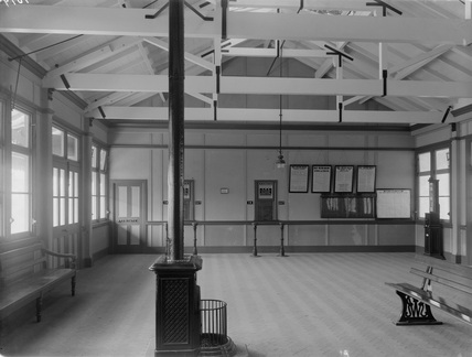 GWR Porthcawl New Station, Booking Hall c.1915.