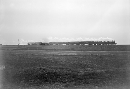 266 A4 class engine with the Royal Train at Bawtry c.1903.
