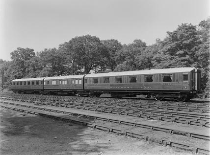 Three quarter view of LNER train. Docaster, England, 1928.