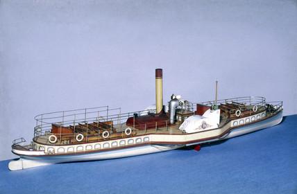 Thames pasenger steamer, 1904.