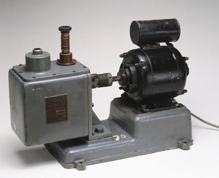Vacuum pump for a mas spectrometer, 1949.