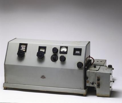 Unicam SP 500 spectrophometer, c 1949.