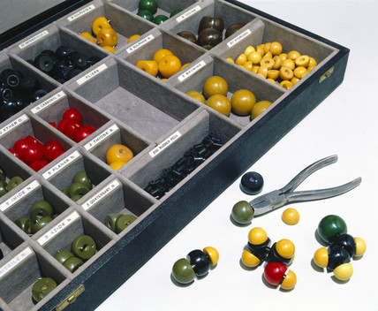 Molecular modelling kit, 1955.