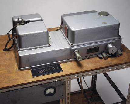 Perkin Elmer model 12C infrared spectrophotometer, 1945.
