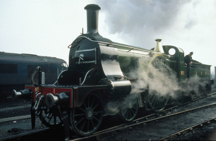 'Stirling Single' 4-2-2 steam locomotive No