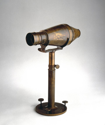 Voigtlander daguerreotype camera, 1841.