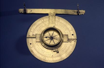 Italian circumferentor ('ipodimeter') with eccentric alidade, 17th century.