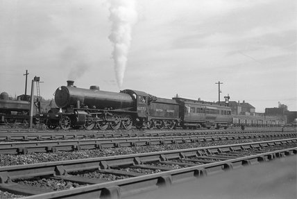London North Eastern Railway (LNER) 0.1 2-8-0 no. 63773 with LNER Dynamometer car at Acton, 31st August 1948. (CCB Herbert, M_4869).
