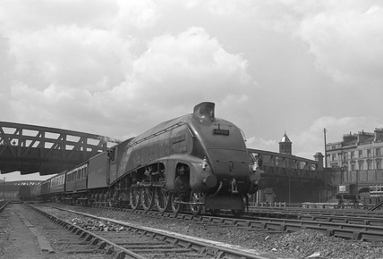 London North Eastern Railway (LNER) A4 Pacific no. 60033.