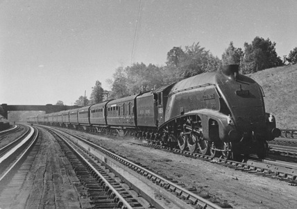 London North Eastern Railway (LNER) no. 606034 at Bushey Troughs. (CCB Herbert, R_30/A3).