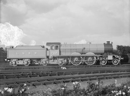 London and North Eastern Railway (LNER) Class C9 locomotive no. 727 rebuilt into 4-4-4-4. (Darlington, DAR_567).