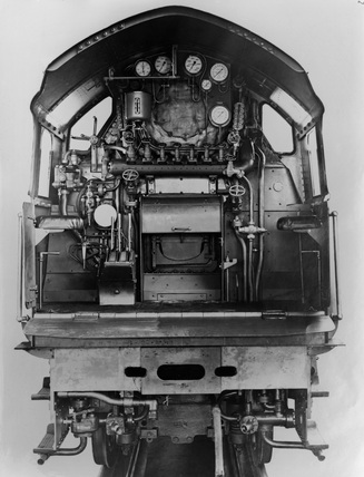 London and North Eastern Railway (LNER). Locomotive no.10000 class W1, arrangement of mountings, rear view. DAR_973.