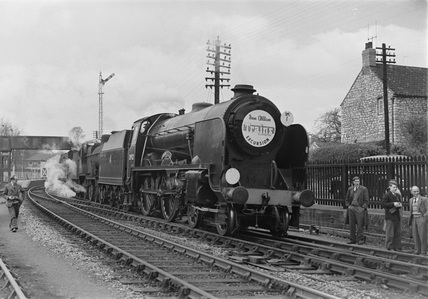 London Midland Scotland (LMS) Class 2P locomotives 30932 and 40601 at Radstock, 25th April 1954. (E. D. Bruton, EDB_6049).