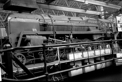 British Railways (BR) class 9F 2-10-0 locomotive no. 92178 at Swindon Works test plant 2nd November 1957. (T. E. Williams, TEW_6116)