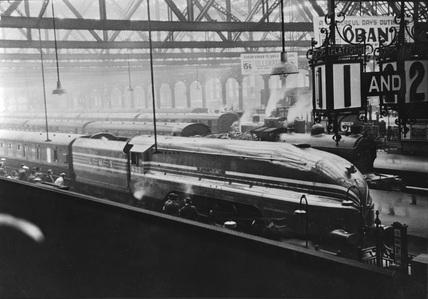LMS locomotive 'Queen Elizabeth' at Glasgow Central.