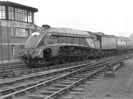 London & North Eastern Railway locomotive no. (600)25