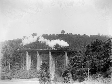 Dean goods on up freight on Castle Hill viaduct c.1928.