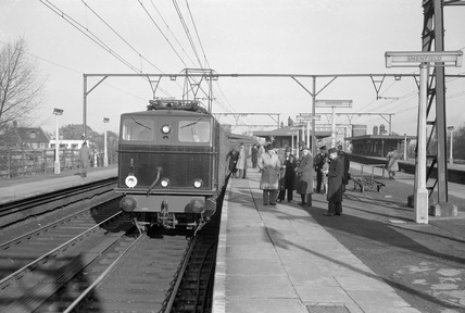 NER electric Bo-Bo class locomotive no. 26510