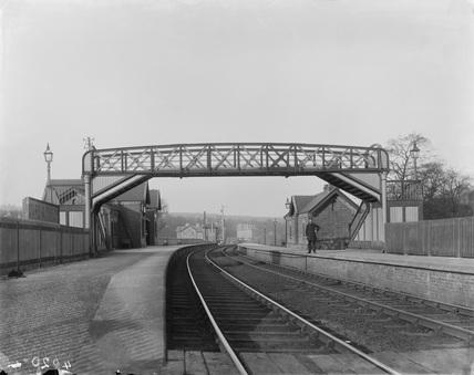 Footbridge over platform Dore & Totley