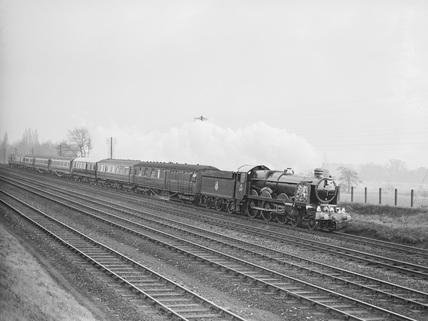 GWR locomotive no. 4082.