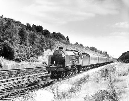 Class N15X 4-6-0 locomotive, No. 32332.