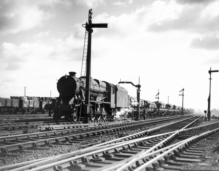 Wartime photograph of 2-8-0 steam locomotive No. 8428, at Reading West Junction, 1944.