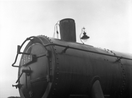 GWR 4-6-0 locomotive no. 7818.